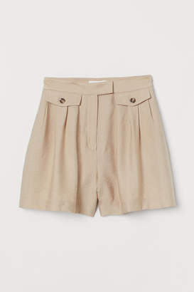 H&M Fitted Shorts - Beige