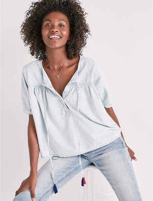 Lucky Brand SHIRRED BUTTON FRONT CHAMBRAY SHIRT