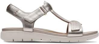 Clarks Un Haywood Leather Sandals