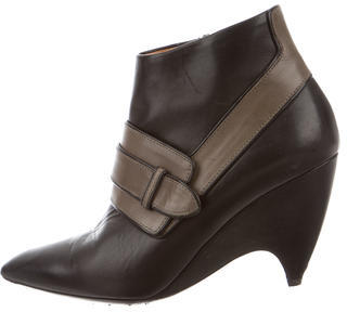 Balenciaga  Balenciaga Leather Pointed-Toe Booties