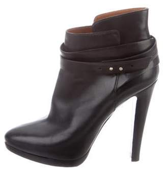 Giorgio Armani Leather Pointed-Toe Ankle Boots Black Leather Pointed-Toe Ankle Boots