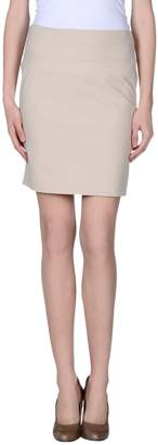 Michelle Windheuser Knee length skirts