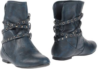REFRESH Ankle boots $123 thestylecure.com