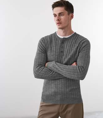 Reiss Our last order date for Christmas has now passed STAVROS WIDE RIBBED HENLEY TOP Grey Melange
