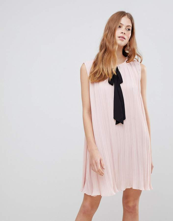 – Kleid mit Schleife in Kontrastfarbe