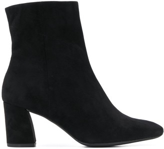 Högl pointed mid-heel boots