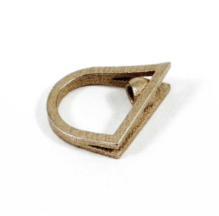 DESiGNERiCA Steel Peek-A-Boo Ring