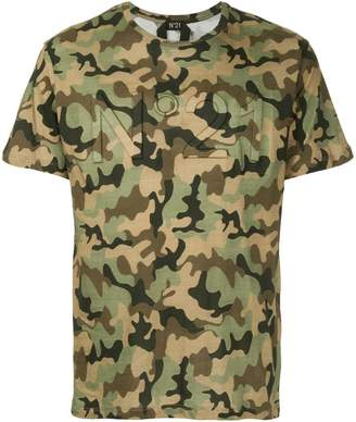 No.21 camouflage print T-shirt