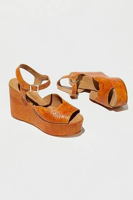 Fp Collection Uptown Wedge