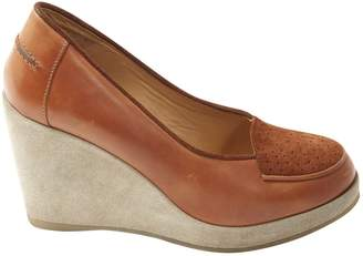 A.P.C. Camel Leather Flats