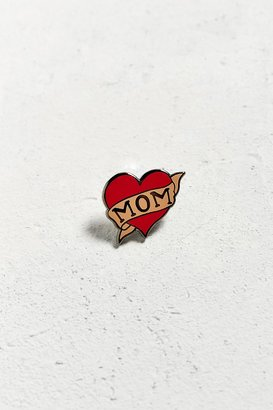 Urban Outfitters UO I Heart Mom Pin $10 thestylecure.com