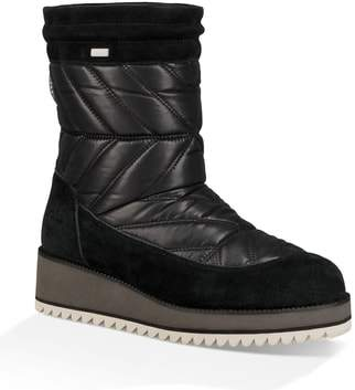 UGG Beck Waterproof Quilted Boot