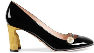 Mid-heel patent pump $695 thestylecure.com