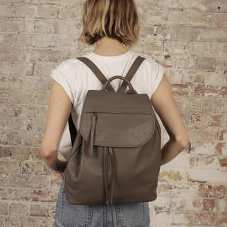 Aura Que Fair Trade Stylish Versatile Leather Rucksack Backpack