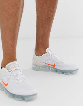 Nike Running Vapormax 2019 sneakers in white