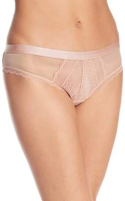 B.Tempt'd B.Cherished Lace Thong