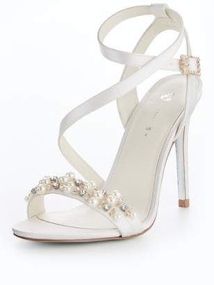 Very Lexy Bridal Pearl Assymetric Heeled Sandal Ivory