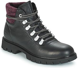 Caterpillar HANDSHAKE women's Low Ankle Boots in Black
