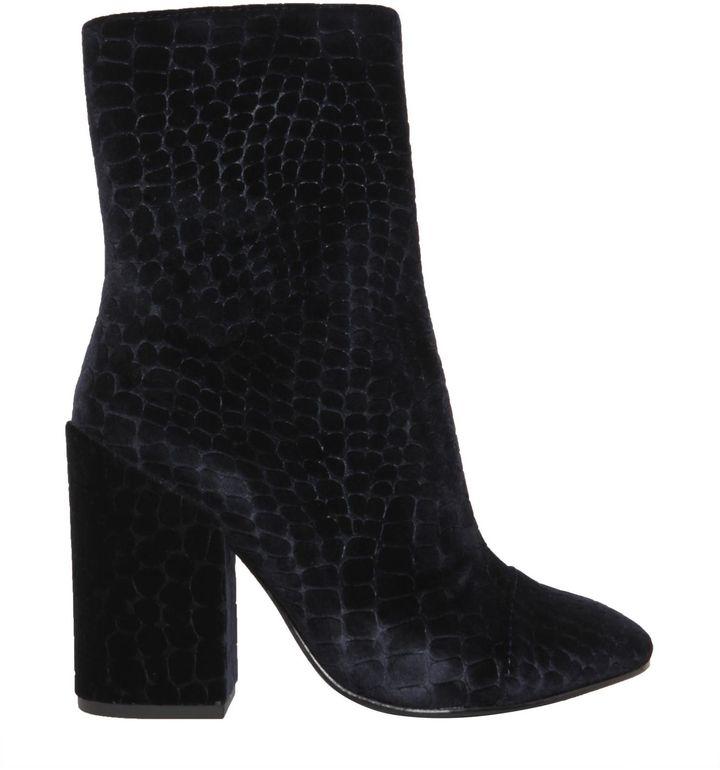 AshFlora Boots