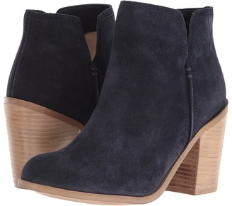 Kenneth Cole Reaction Kite Fly $129 thestylecure.com