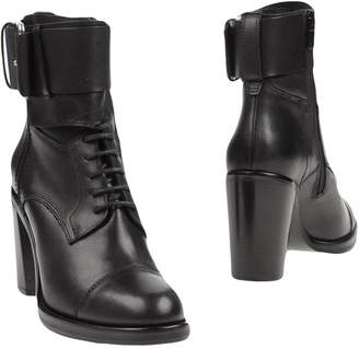 Alexander McQueen McQ Ankle boots