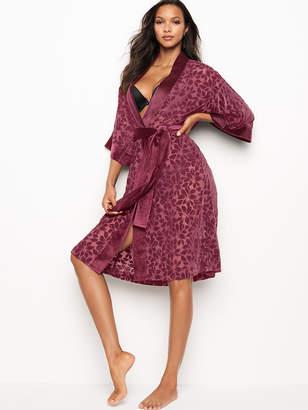 Very Sexy Velvet Applique Kimono