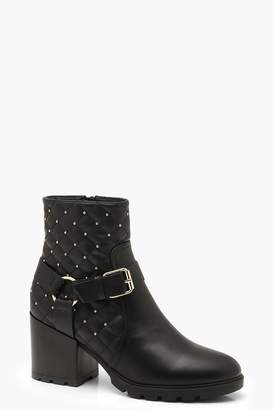 boohoo Quilted Harness Strap Hiker Boots