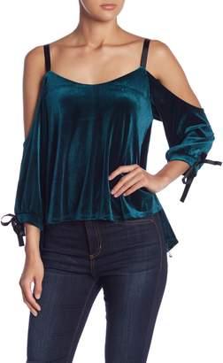Romeo & Juliet Couture Cold Shoulder Velvet Split Back Tank