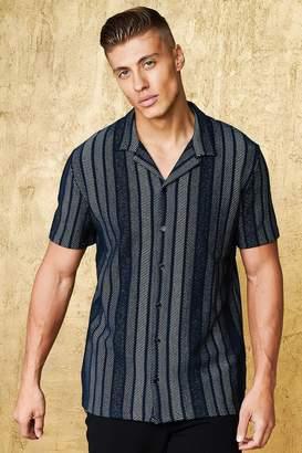 boohoo Vertical Stripe Short Sleeve Revere Shirt