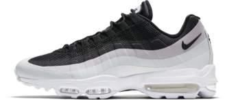 95 Ultra Essential Men's Shoe