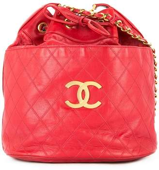 b22cb01b1635a9 Chanel Pre-Owned quilted drawstring shoulder bag