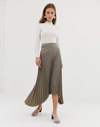 Warehouse pleated midi skirt with asymmetric hem in check