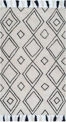nuLoom Lisha Moroccan Diamond Tassel Hand Tufted Synthetic & Wool Transitional Rug