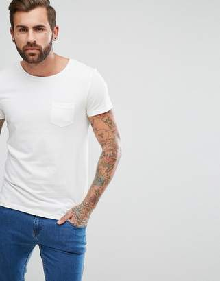 Lee Jeans Pocket T-Shirt with Lower Front Tab