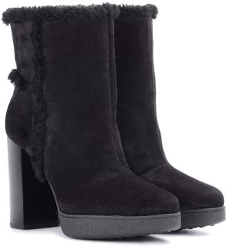 Tod's Shearling-lined suede ankle boots