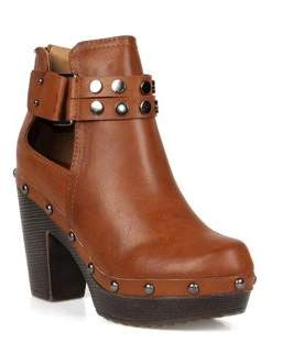 Nature Breeze Ankle high women's clog booties in Cognac
