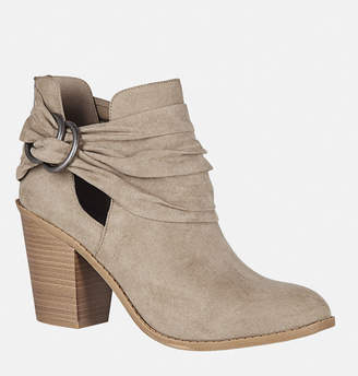 Avenue Hazel Side Cutout Bootie