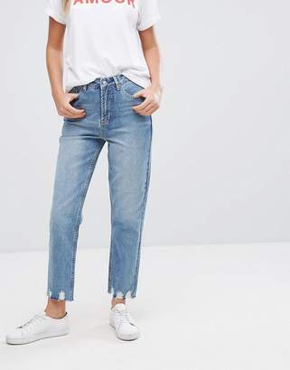 New Look Extreme Frayed Hem Mom Jeans