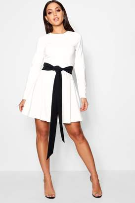 boohoo Long Sleeve Contrast Belt Skater Dress