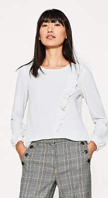 Esprit Crêpe blouse with a feminine flounce