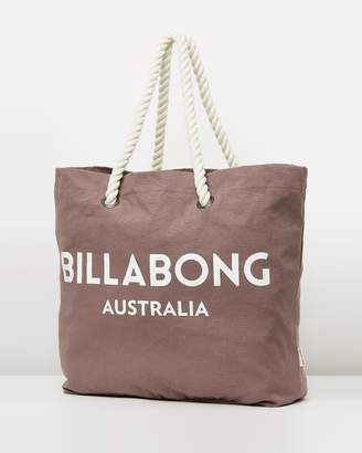 At The Iconic Billabong Essential Beach Bag