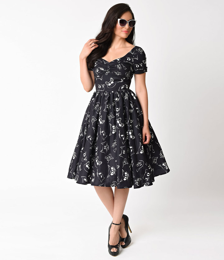 Unique Vintage 1950s Style Black Prowling Cat Print Short Sleeve Draper Swing Dress