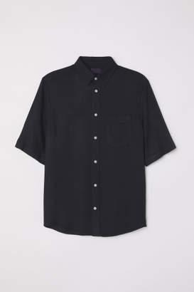 H&M Short-sleeved Shirt - Black