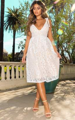 PrettyLittleThing White Lace Strappy Plunge Midi Dress