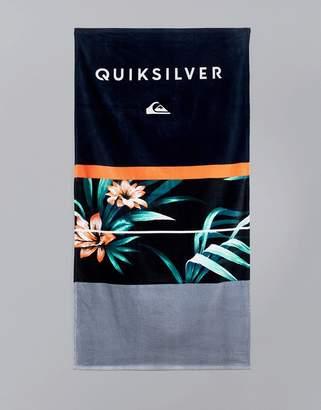 Quiksilver Freshness Towel In Hawaiian Floral Print