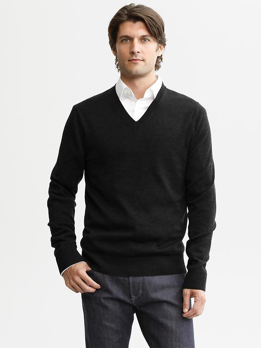 Banana Republic Extra-fine merino wool v-neck sweater