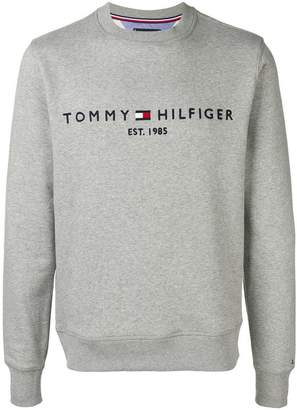 Tommy Hilfiger embroidered logo to the chest