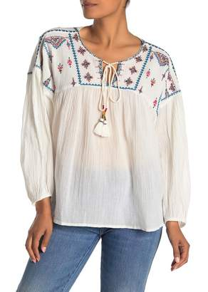 Yumi Star Sierra Embroidered Top