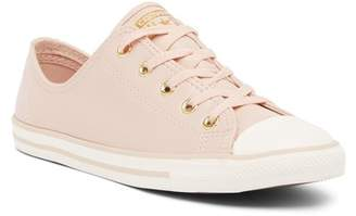 Converse Chuck Taylor All Star Dainty Sneaker