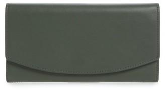 Women's Skagen Leather Wallet - Green $115 thestylecure.com